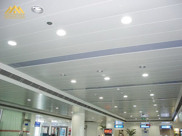 Đèn âm trần nhựa và những ưu điểm khi sử dụng