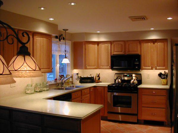 Cách bố trí đèn led âm trần cho phòng bếp ăn