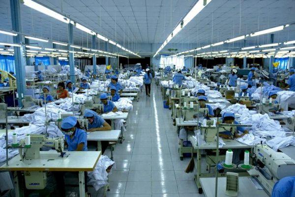 Đèn tuýp led công nghiệp giúp nâng cao hiệu suất công việc