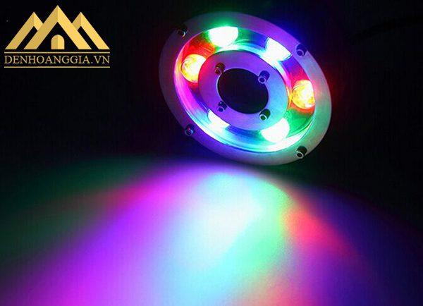 Đèn âm nước đổi màu